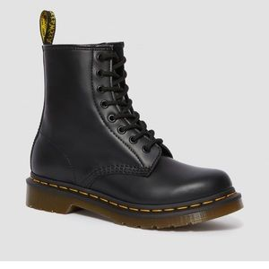 women's 1460 smooth doc martens